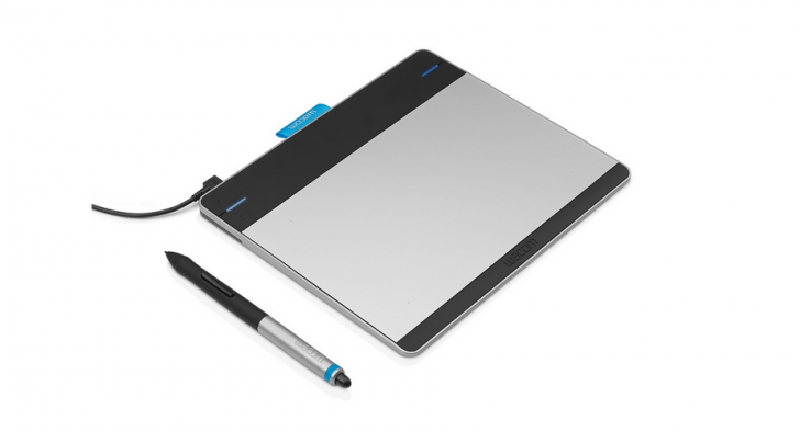 Wacom Intuos pen & touch ペンタブレット